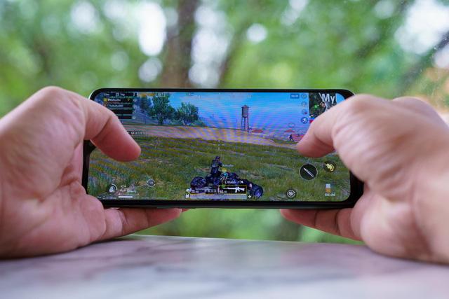 Ai bảo điện thoại hạt dẻ chơi game không ngon, nhìn qua Realme 6i là biết ngay - Ảnh 5.