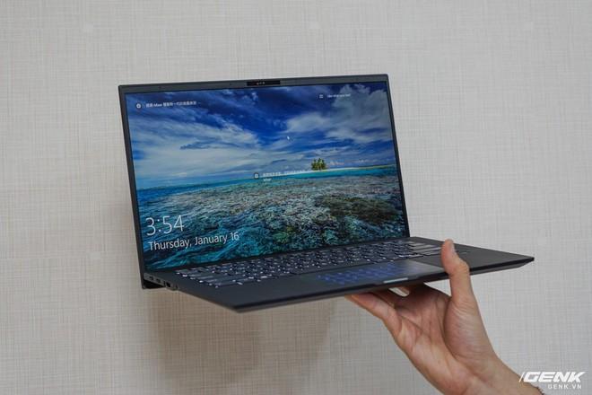 ASUS chính thức đưa hai dòng laptop mới dành cho doanh nhân và sáng tạo nội dung về Việt Nam, có món giá chạm nóc 270 triệu đồng - Ảnh 1.
