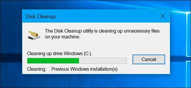 Disk Cleanup cho phép bạn giải phóng không gian ổ đĩa
