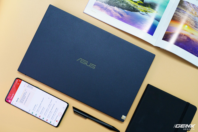 Đánh giá laptop Asus ExpertBook B9: lựa chọn mang tính tất cả vì công việc - Ảnh 1.