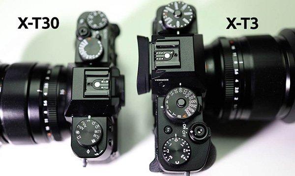 Ống ngắm của X-T3 lồi ra nhiều hơn so với X-T30