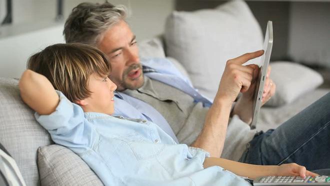 Mua đồ công nghệ gì cho Ngày của Bố? Đây là một số lựa chọn đáng cân nhắc - Ảnh 1.