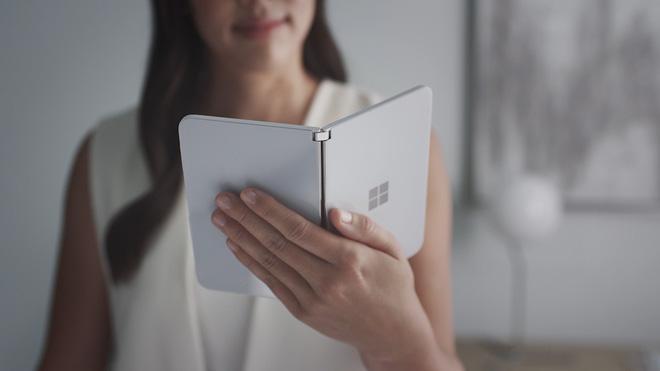 Smartphone hai màn hình Surface Duo sẽ sớm lên kệ trong tháng 8 này, trước cả Galaxy Note20 và Fold 2 - Ảnh 1.