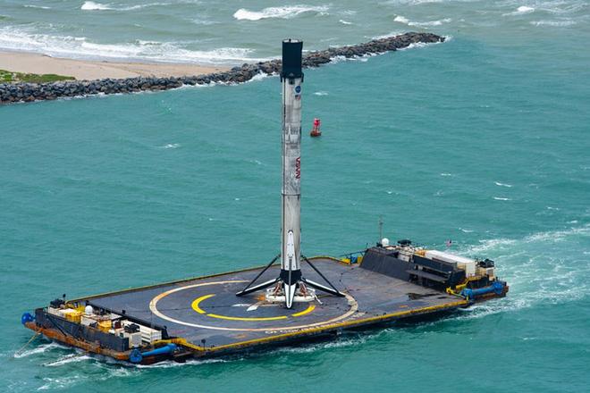 SpaceX dùng gì để đưa các phi hành gia lên trạm vũ trụ: Oxy lỏng, nhiên liệu, 3 CPU cũ kĩ và Linux - Ảnh 3.