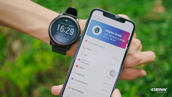 Trên tay smartwatch Haylou Solar: Thiết kế ổn, pin 30 ngày, chống nước IP68, giá 700.000 đồng - Ảnh 14.