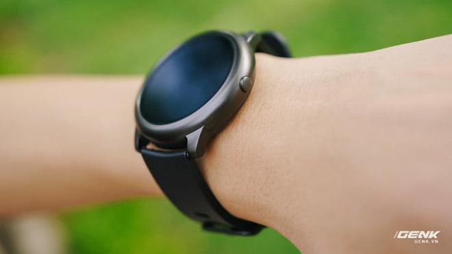 Trên tay smartwatch Haylou Solar: Thiết kế ổn, pin 30 ngày, chống nước IP68, giá 700.000 đồng - Ảnh 9.