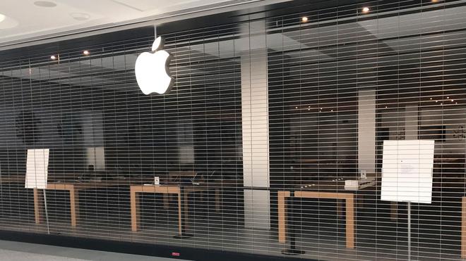 Apple vừa phải trả tiền phạt cho Samsung vì doanh số bán iPhone quá thấp - Ảnh 1.