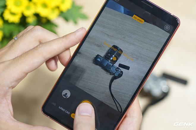 BKAV cho shop bán hàng online mượn Bphone B86 để review chụp ảnh sản phẩm - Ảnh 1.