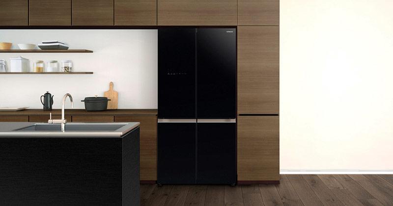Tủ lạnh bố trí hài hòa với thiết kế không gian bếp.