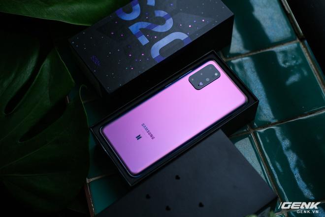 Mở hộp Galaxy S20+ phiên bản BTS: Màu tím hồng dễ thương, nhiều quà kèm theo dành riêng cho các fan A.R.M.Y - Ảnh 2.