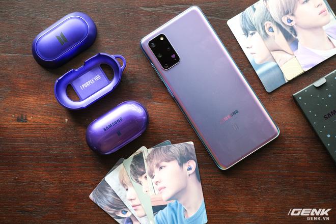 Mở hộp tai nghe Galaxy Buds+ phiên bản BTS: Hộp sản phẩm to bất ngờ, bóc mỏi tay mới biết có nhiều quà kèm theo dành cho A.R.M.Y - Ảnh 5.