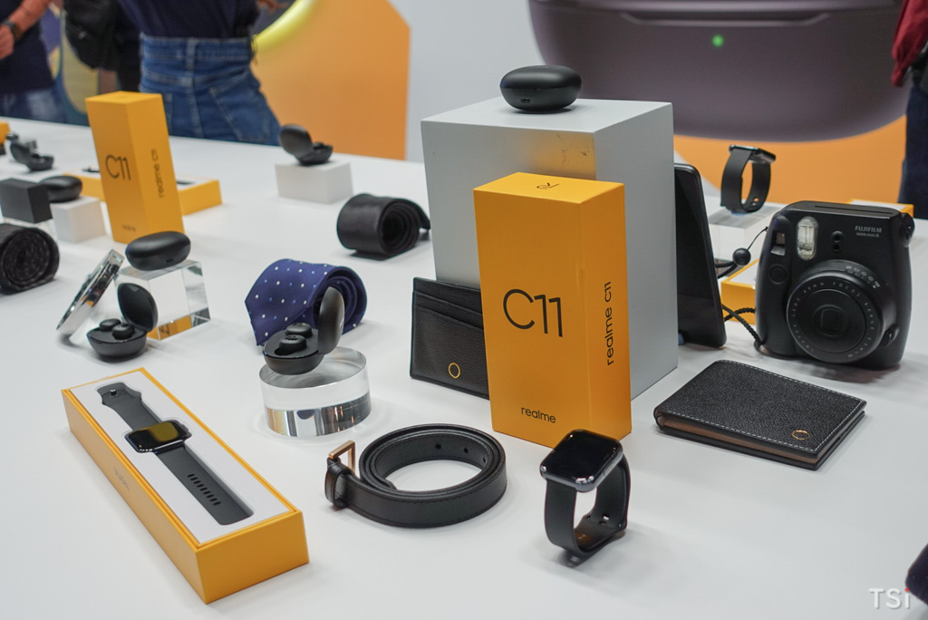 Ra mắt hệ sinh thái sản phẩm AIoT và công bố giá bán realme C11