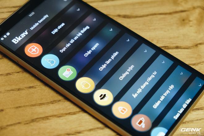 So sánh Bphone B86 và Vsmart Live: Cùng chip Snapdragon 675 nhưng Bphone đắt gấp 2.5 lần, liệu có đáng số tiền bỏ ra? - Ảnh 16.