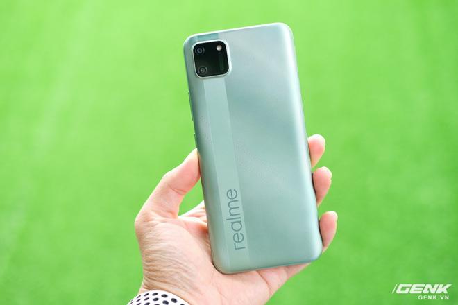 Trên tay C11: Chiếc điện thoại giá chỉ 3 triệu đồng đến từ Realme - Ảnh 2.