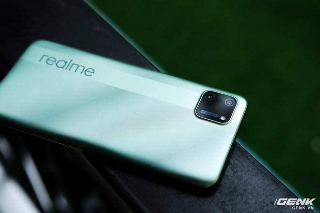 Trên tay C11: Chiếc điện thoại giá chỉ 3 triệu đồng đến từ Realme - Ảnh 5.