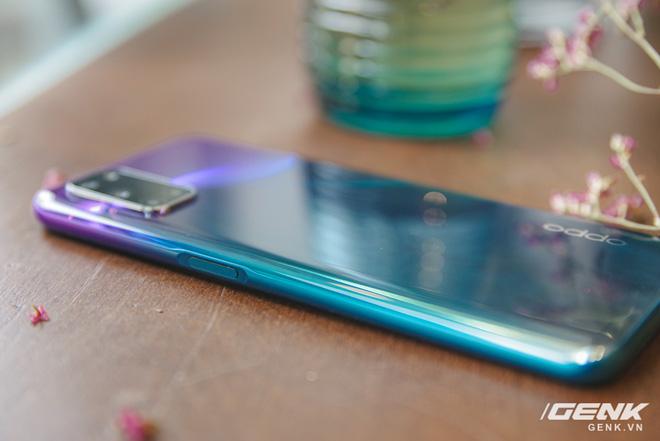 Trên tay OPPO A92 màu tím mới: mặt lưng lạ đẹp, giá không đổi - Ảnh 7.
