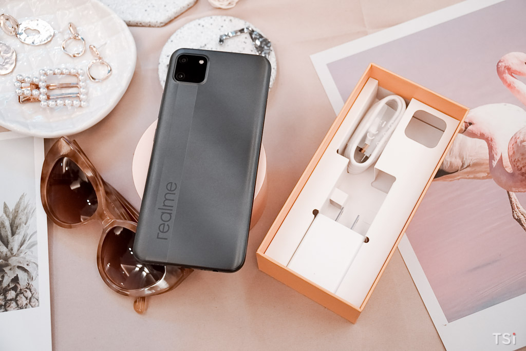 Trên tay Realme C11: hai màu, pin 5.000mAh, giá dưới 3 triệu