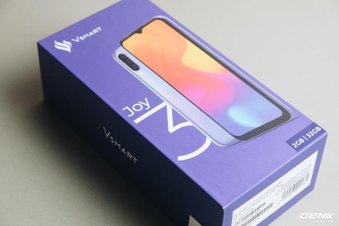 Trên tay Vsmart Star 4: Chiếc điện thoại có thể gây bối rối từ VinSmart - Ảnh 1.