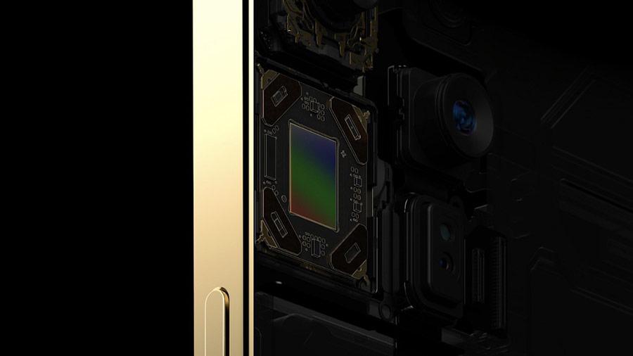 iPhone 12 Pro Max có cảm biến lớn hơn 3 mẫu iPhone 12 còn lại. Cảm biến này còn được tích hợp công nghệ chống rung. Ảnh: Apple.