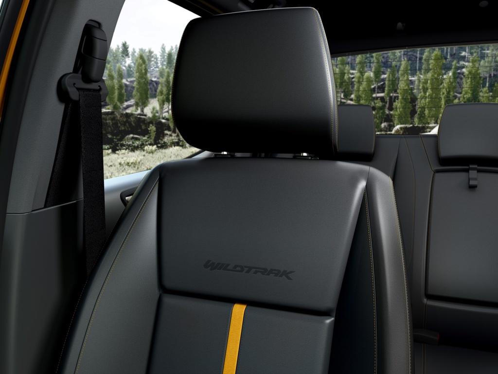 Chiếc bán tải này cũng được trang bị ứng dụng FordPass Connect, cho phép thực hiện các thao tác khởi động, khóa cửa... từ xa qua điện thoại thông minh. Ngoài ra, chủ xe còn có thể kiểm tra tình trạng xe qua ứng dụng này.
