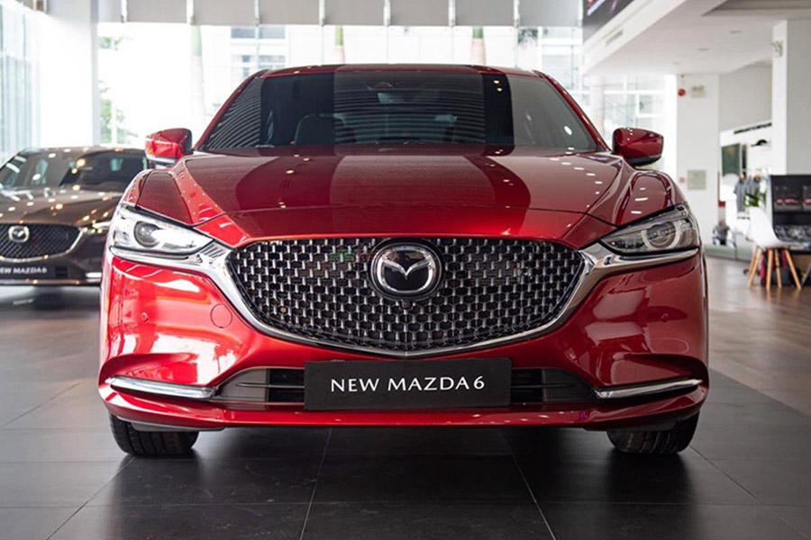 Đầu xe Mazda 6 2021