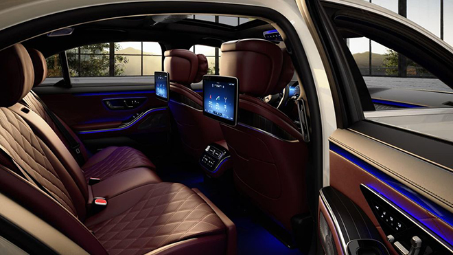 Mercedes-Benz S 500 L được trang bị động cơ dung tích 3,0L, 6 xy-lanh tăng áp tích hợp công nghệ EQ Boost hybrid bổ trợ, cho tổng công suất 429 mã lực, 521 Nm mô-men xoắn.