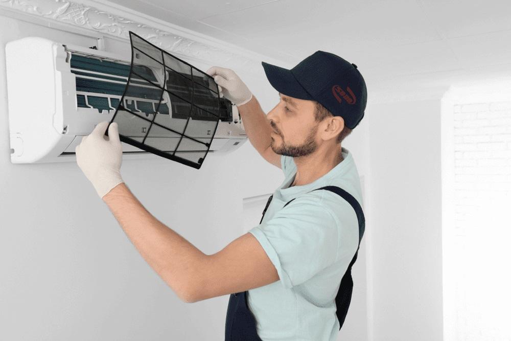 Cách vệ sinh máy lạnh, điều hòa tại nhà an toàn, hiệu quả