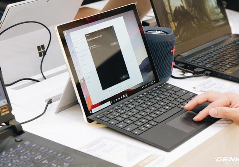 Surface được phân phối chính hãng tại Việt Nam