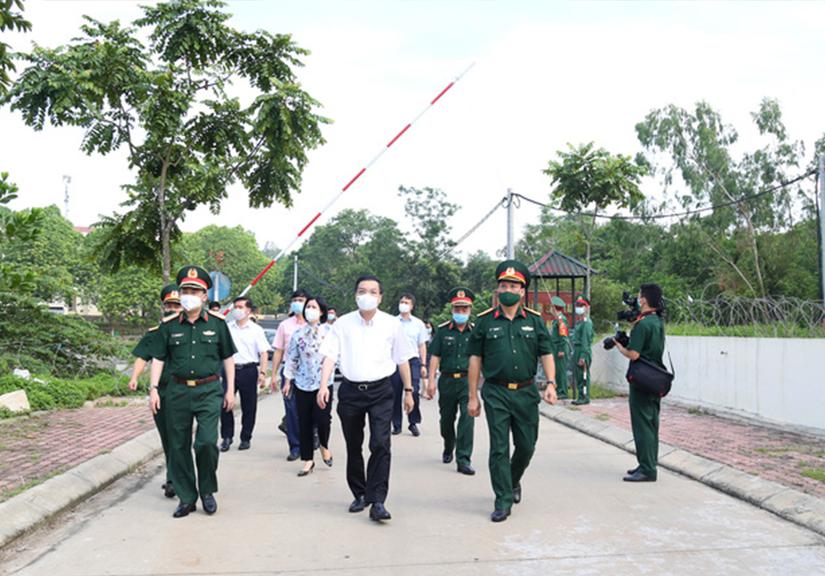 Chủ tịch Hà Nội trực tiếp chỉ đạo tại khu cách ly có 35 ca F1 trở thành F0