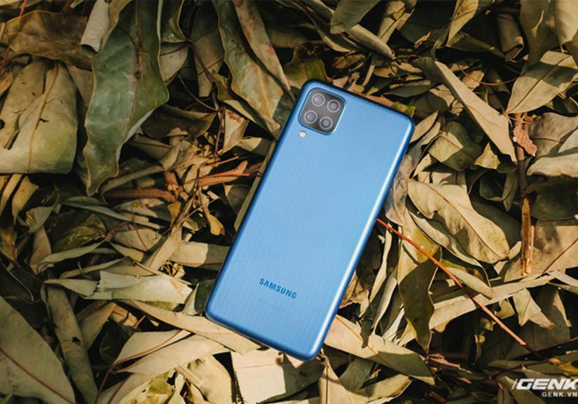 """Đánh giá Samsung Galaxy M12: Pin """"trâu"""", màn hình 90Hz trong tầm giá rẻ"""