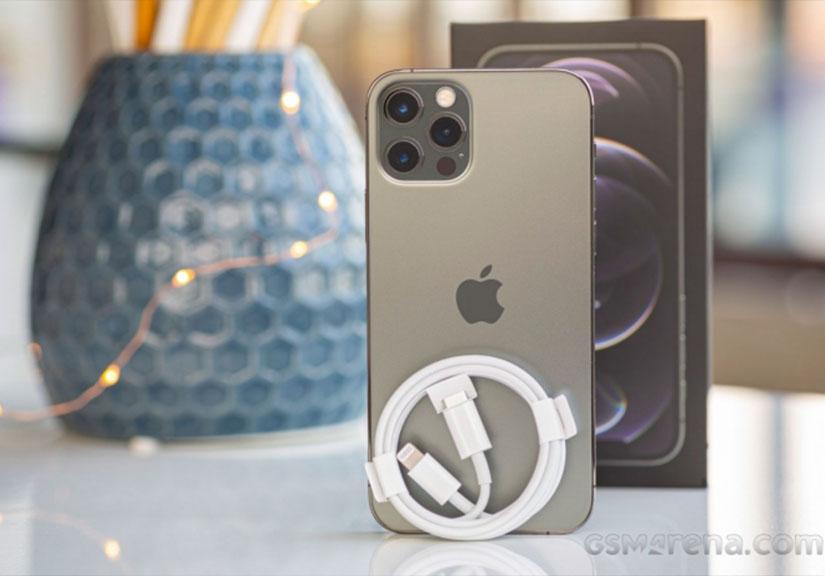 iPhone 13 có thể sạc nhanh hơn iPhone 12 nhưng người dùng phải mua sạc mới