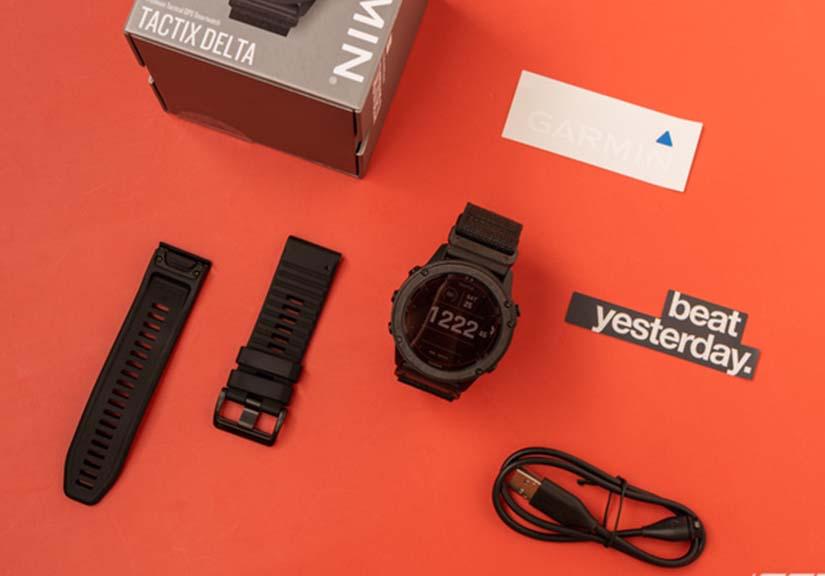 Mở hộp Garmin tactix Delta Solar: Đồng hồ thông minh phong cách quân đội, có chế độ giấu vị trí người dùng, xóa dữ liệu khi thiết bị rơi vào tay đối phương