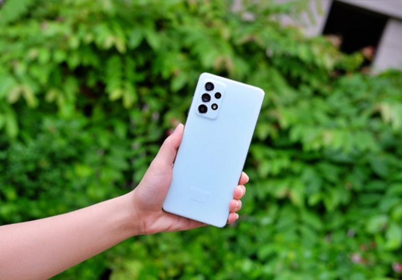 Trên tay nhanh Galaxy A52s 5G: Hiệu năng mạnh mẽ, camera OIS tiên phong công nghệ