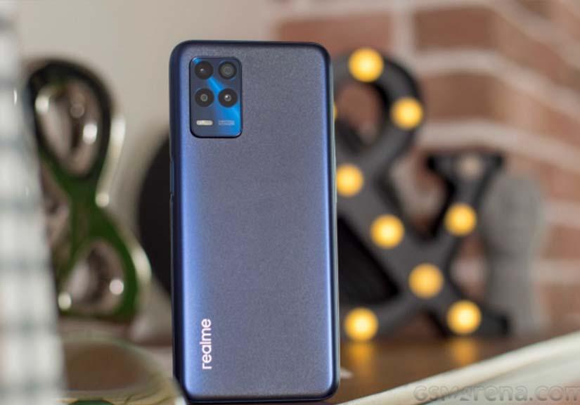 Trên tay Realme 8s 5G - địch thủ mới khiến vua smartphone 5G giá rẻ 'hốt hoảng'
