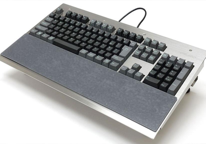 Filco ra mắt bàn phím cơ làm hoàn toàn bằng thép, nặng hơn 4Kg