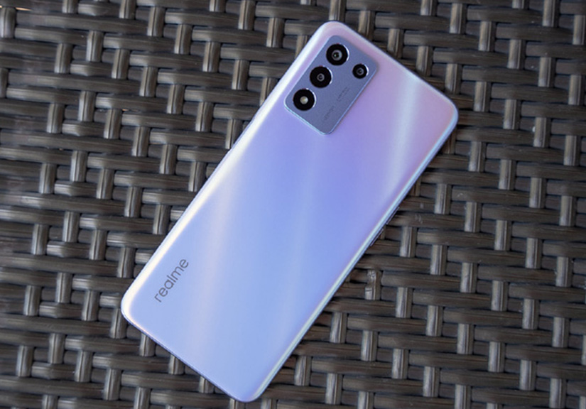 realme Q3s ra mắt: Giá chỉ 4.9 triệu nhưng có màn hình 144Hz, Snapdragon 778G, pin 5000mAh
